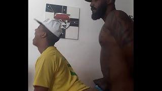 gay brasil levou o novinho pra cama