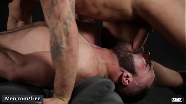 Amigo dotado comendo o cu de seu parceiro