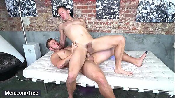 Novinho safado fodendo seu cuzinho apertado em um belo porno amador