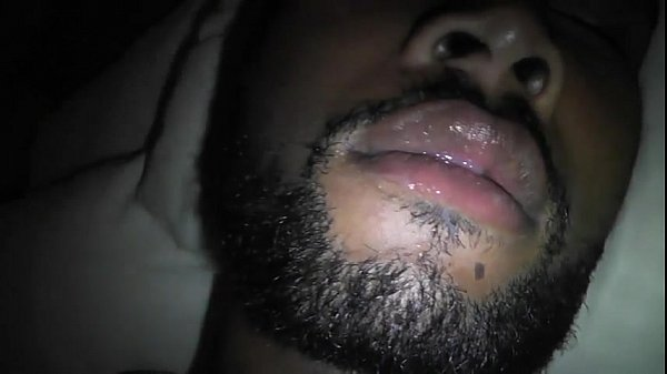 Novinho transando com seu namorado dormindo acabou no xvideos